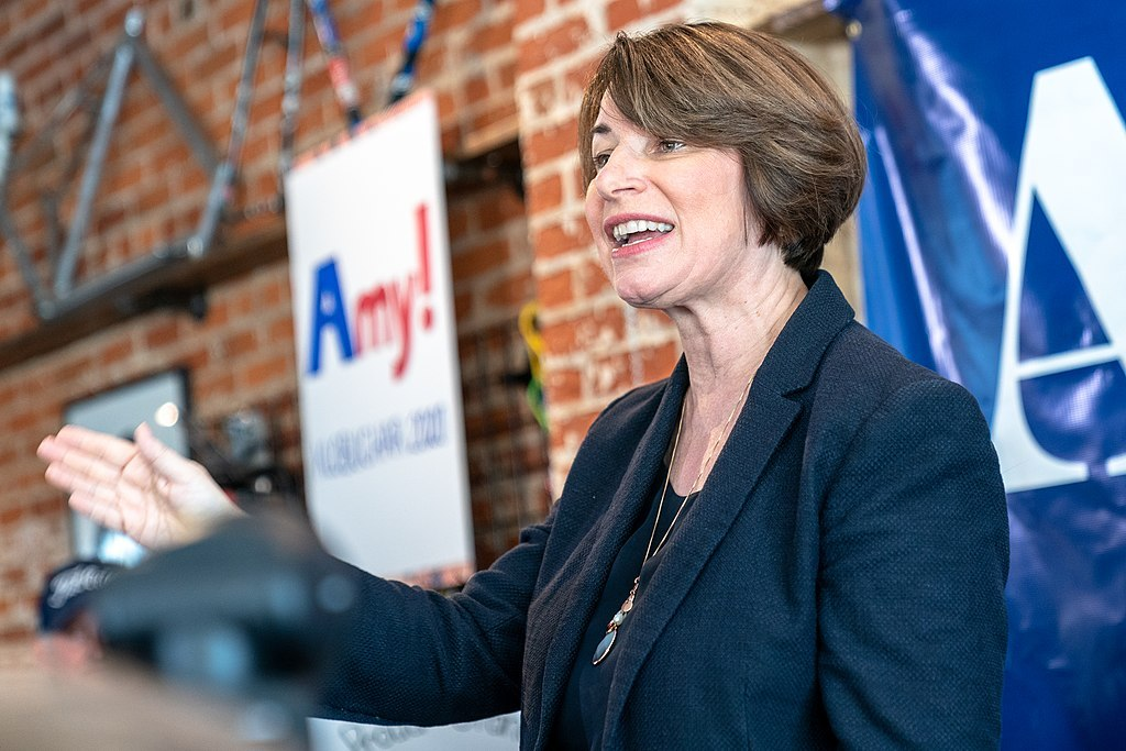 Will other candidates get the Klobuchar treatment? - Women's